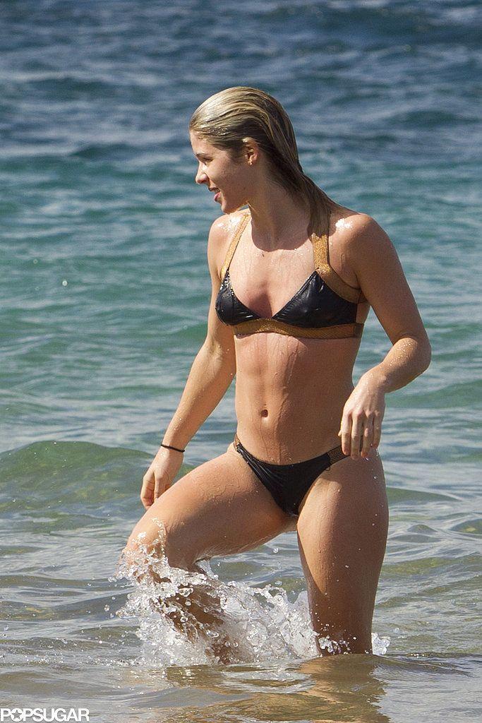 Emily Bett Rickards Flaunts Her Insane Bikini Body While Splashing Around in Hawaii. #celebrity #emilybettrickards #bikini