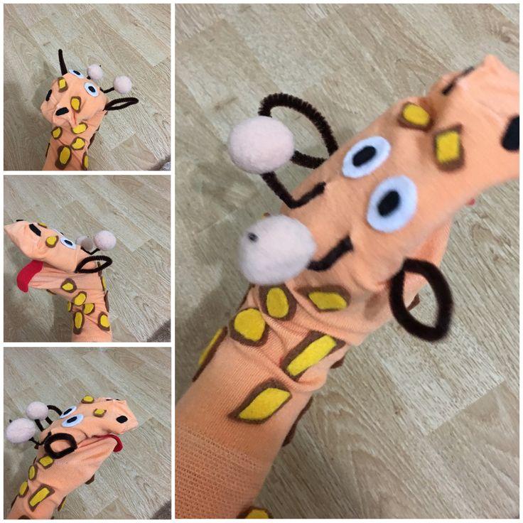 Zürafa çorap kuklası
