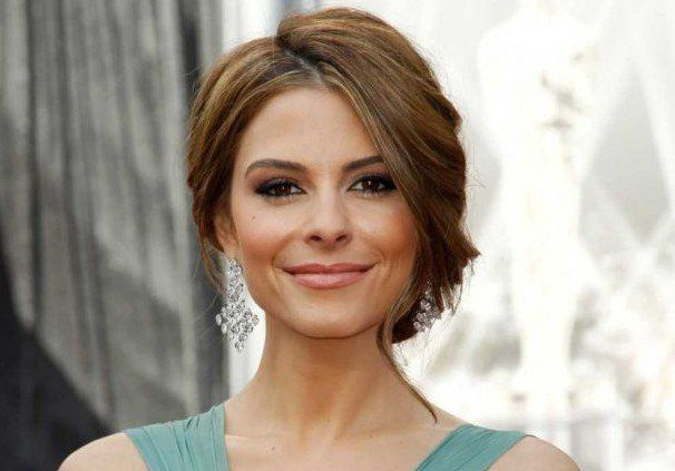 """""""Extra"""" TV host Maria Menounos will return to the television series, """"The Mindy Project,"""" to play a fictionalized version of herself. The Greek-American"""