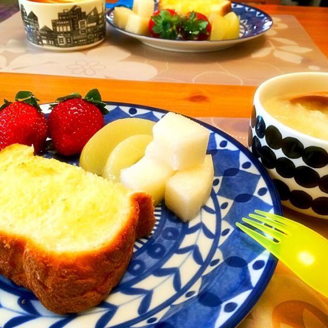 大根おろしスープ ぱん 蜂蜜シュガーバター いちご、もも、梨 - 46件のもぐもぐ - 風邪引きさんのおろしスープで朝ごはん〜☀︎12月3日 by Sanji