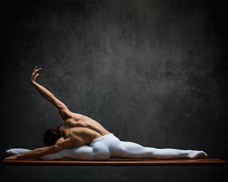 Guys dancing ballet nud