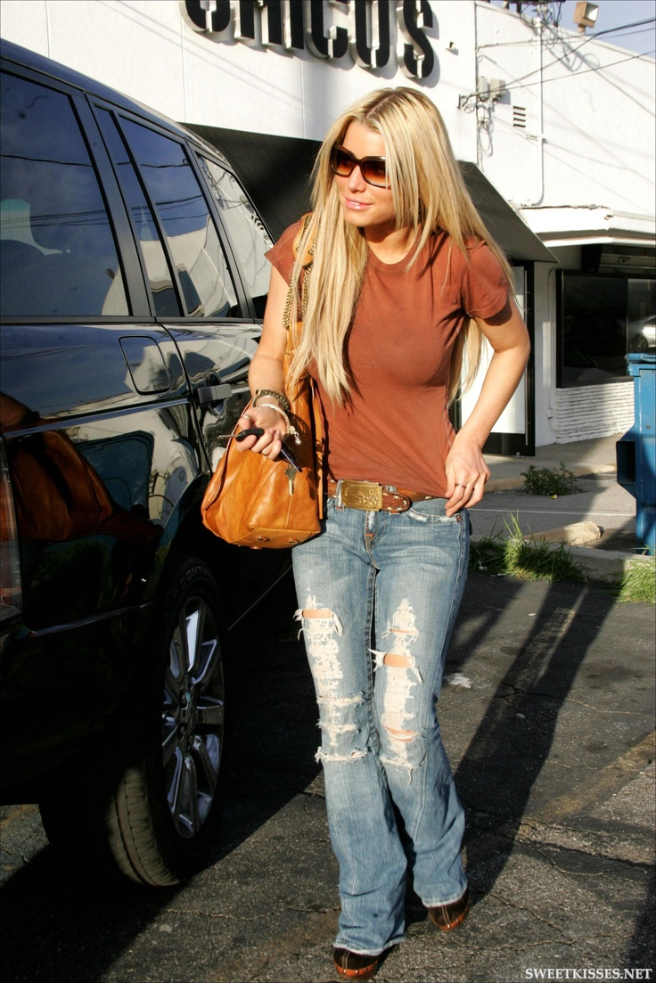 Jessica Simpson - Love Her Style, Her Personality... Basically Everything Bout Her!