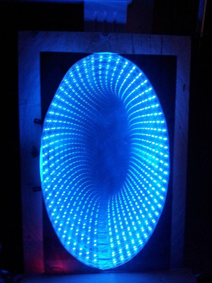 infinity mirror portal. 「artist infinity mirror」的圖片搜尋結果 mirror portal