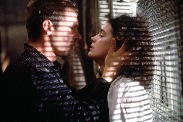 An alternative scene for the moment between Deckard & Rachael which was more graphic was filmed, but ultimately cut in #BladeRunner (1982).