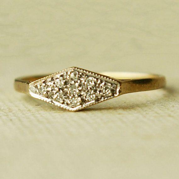 Vintage diamond wedding band. Swoon.