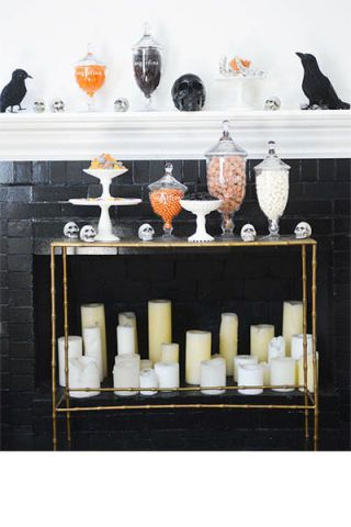 'Tis the season (the spooky season)! Be chic this Halloween with these ideas that never go out of style for your home: