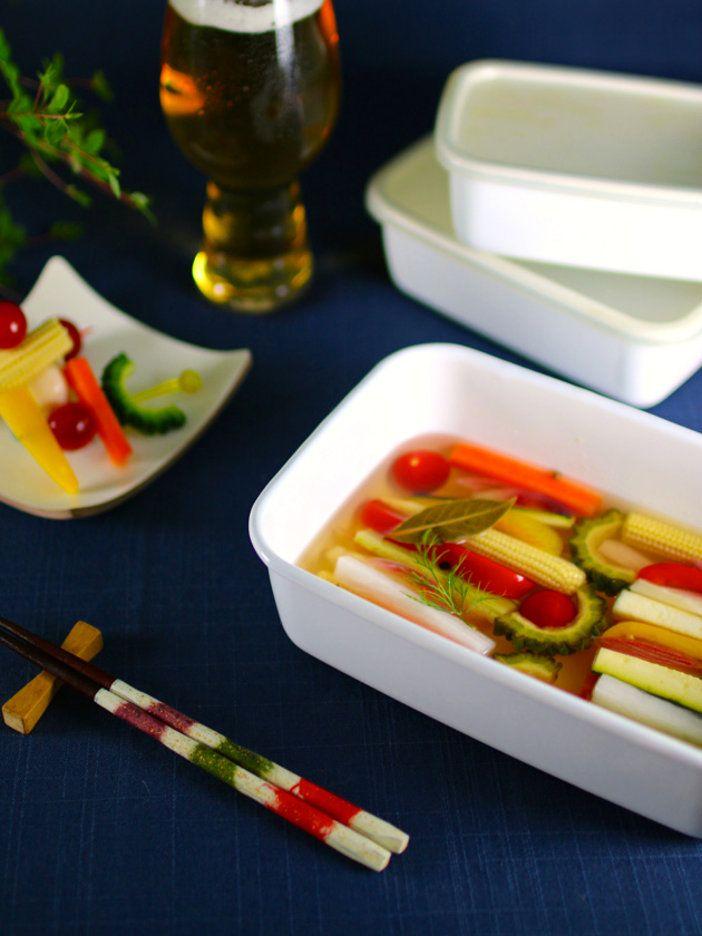 琺瑯バットさえあれば、誰でも簡単ピクルス作り!|『ELLE a table』はおしゃれで簡単なレシピが満載!