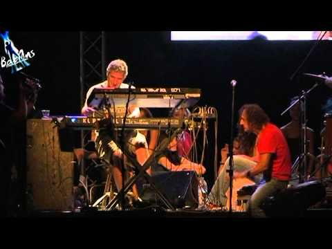 Βασίλης Παπακωνσταντίνου - Της αγάπης μαχαιριά - Βύρωνας 2013 - YouTube