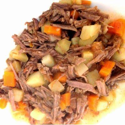 La carne deshebrada o deshilachada como algunas personas la llaman en España es un platillo típico en México. La desherbada la podemos serv...