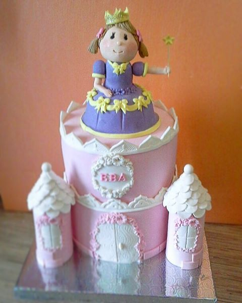 8 921- 947-30-26 Торт на заказ Гатчина СПб Пушкин Лен.обл. Детский торт Принцесса во дворце.Торт замок