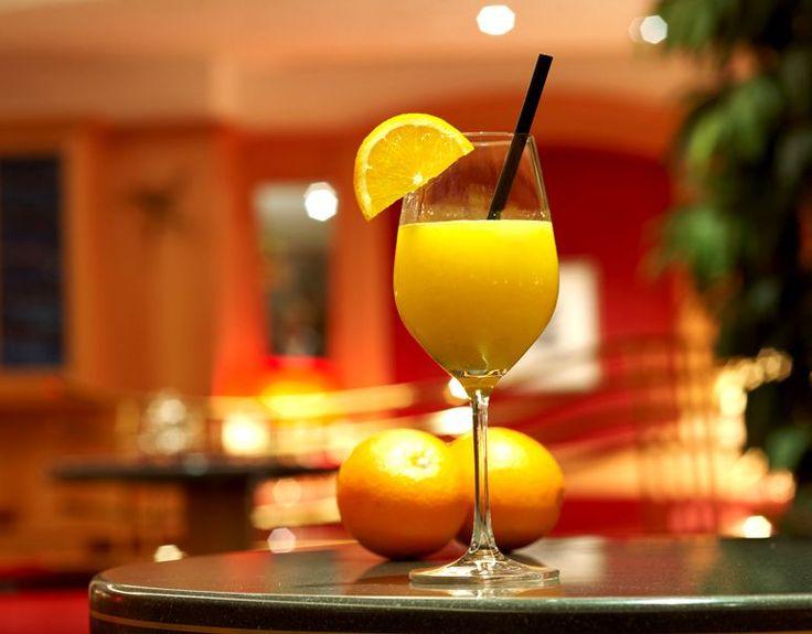 Per una colazione sana e ricca di vitamine, un ottima spremuta di arance. Buona giornata!!
