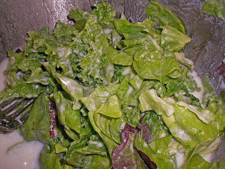 http://www.chefkoch.de/rezepte/1255871231064248/Kopfsalat-mit-suessem-Joghurt-Dressing.html