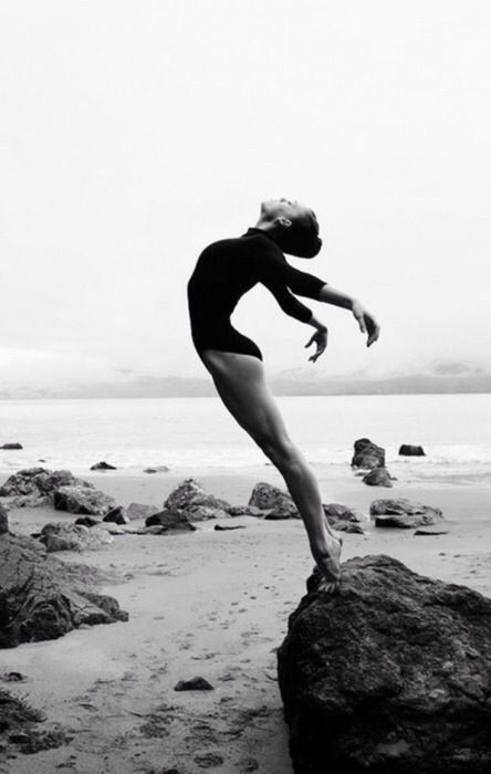 posture / noir et blanc / lumière