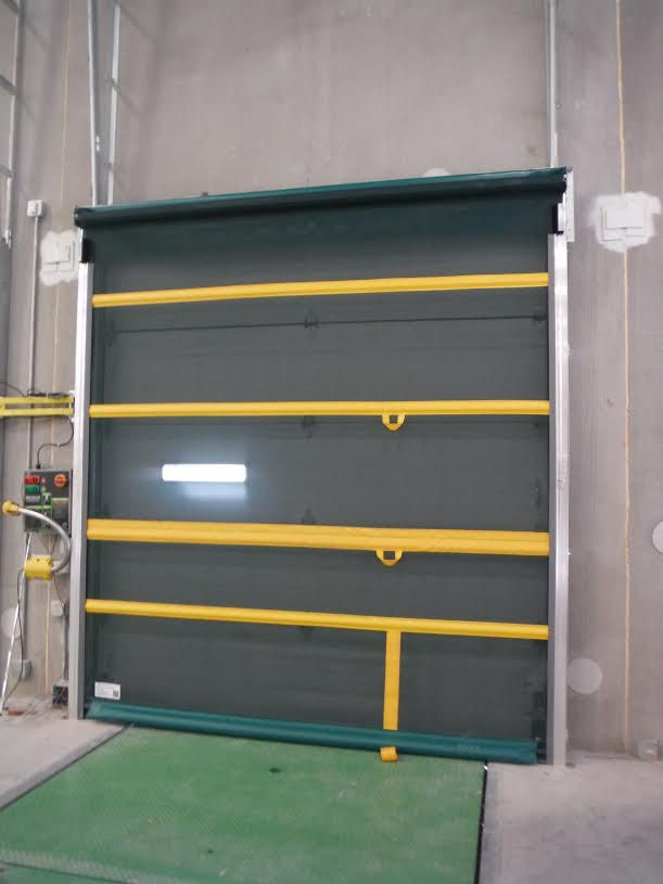 Gateway Bug Barrier 10 X10 Manual Roll Up Door In 2020 Garage Door Seal Garage Doors Garage Door Weather Seal