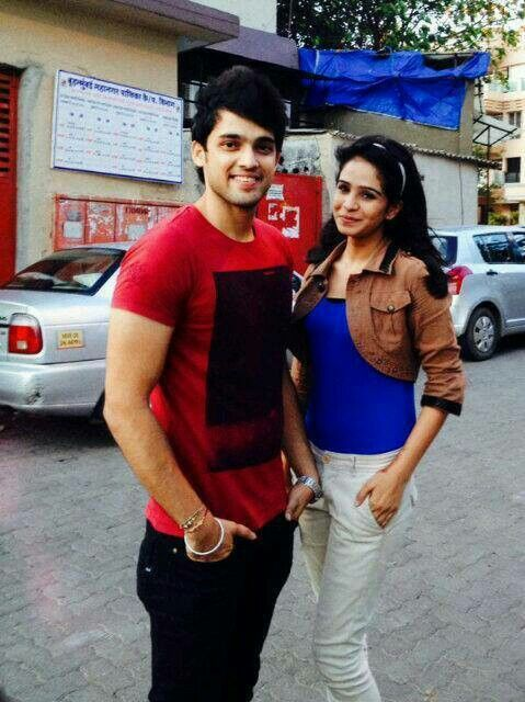 Who's this girl wd manik