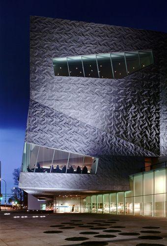 Walker Arts, Minneapolis, USA by Herzog & de Meuron Architects