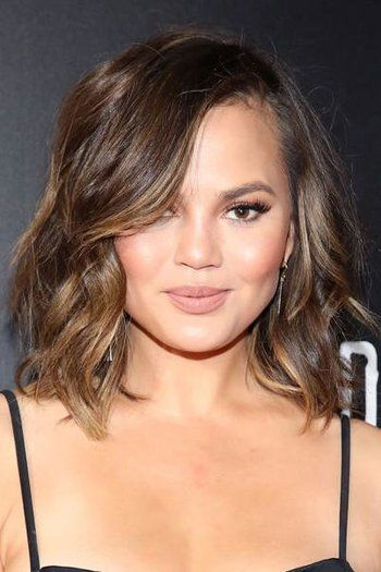 The Best Curly Hairstyles for Round Faces | Curly hair styles, Bob hairstyles for round face ...