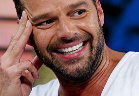 19-Jun-2014 12:07 - RICKY MARTIN VERWACHT MEER HOMOSEKSUALITEIT IN VOETBAL. Volgens de Zuid-Amerikaanse zanger Ricky Martin kan het niet lang meer duren voor veel meer professionele voetballers uit de kast komen, vertelt hij aan NU.nl.