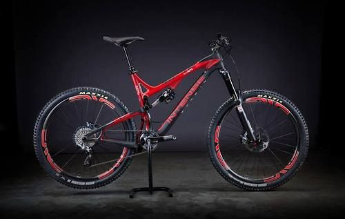 Intense Tracer 27.5 Carbon