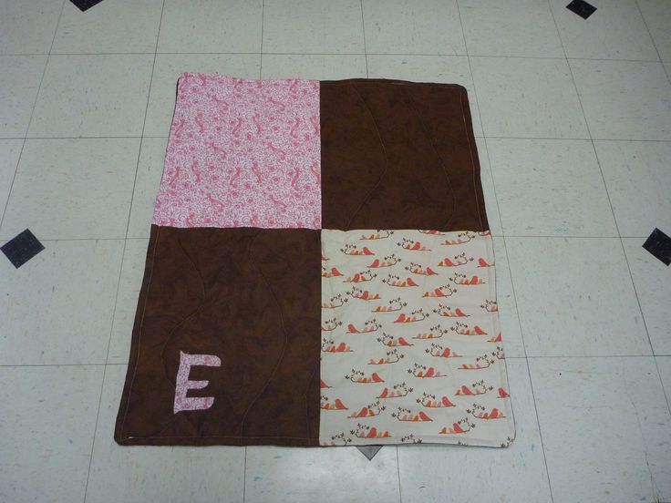 Another baby quilt, I need practice, because it's not very centered