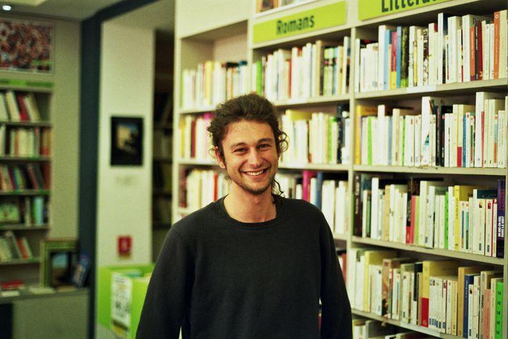 Guillaume, bénévole à la Bouquinerie de Lille