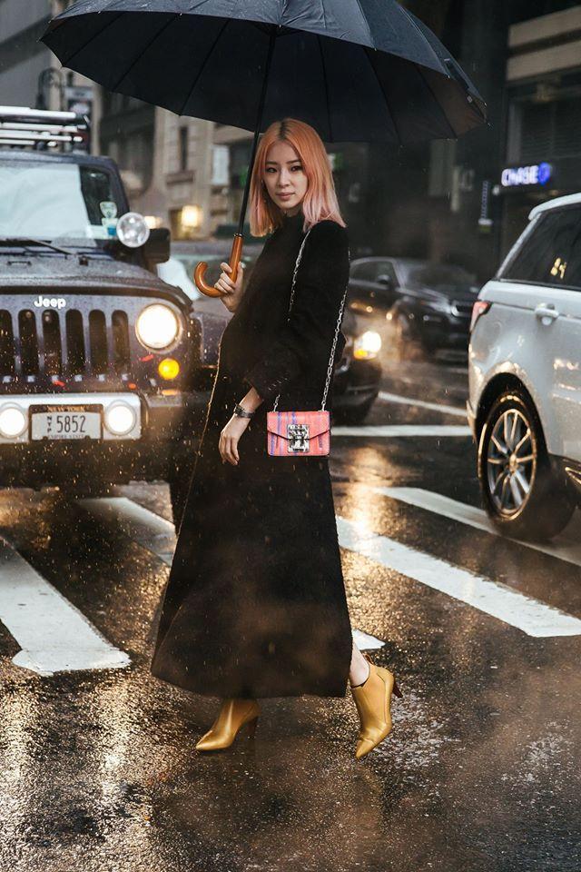 Street style: Irene Kim at NYFW Fall 2017 by Lim Jae Hyun