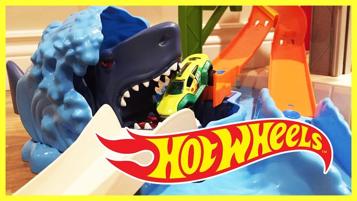 HOT WHEELS Ultimate Car Garage Toys | Piccolo Bros.