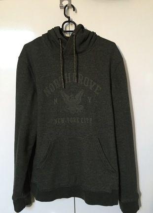 Kup mój przedmiot na #vintedpl http://www.vinted.pl/odziez-meska/bluzy/12560788-zielona-bluza-hm