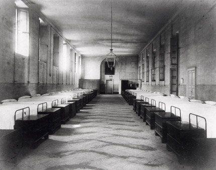 Elucubrações sobre os antigos internatos, colégios internos e seminários.