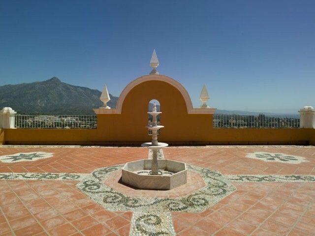 Villa for Sale in Nueva Andalucía, Marbella, Costa del Sol, Spain. CLICK ON IMAGE FOR INFO & PRICE.