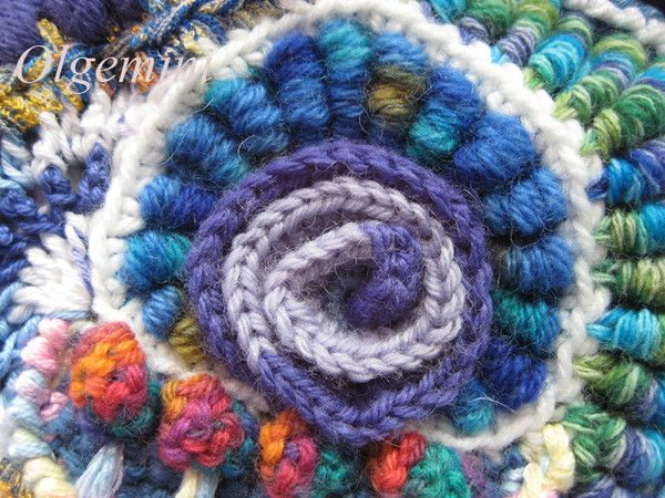 Freeform Crochet Tutorial from Olgemini. There's no text, but large, clear pictures. Inspiring!