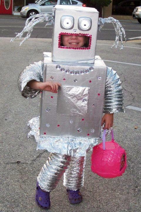 Homemade Halloween Costume | Robot Costume | Girl Robot | Zing Bot | DIY Kids Halloween Costume