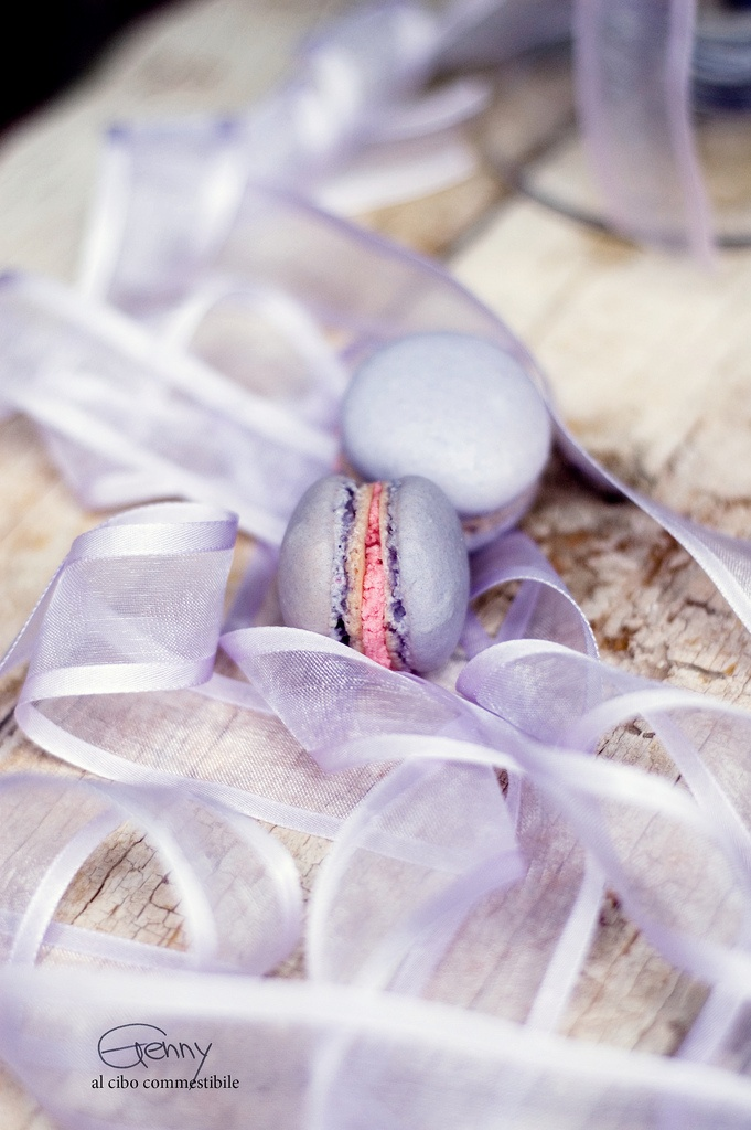so pretty...: Dopo Tanti, Pastel Purple, Minis Macaroons, Successo Dopo, Strawberries Ganache, French Macaron, Tanti Fallimenti, Lavender Macaroons, Al Cibo