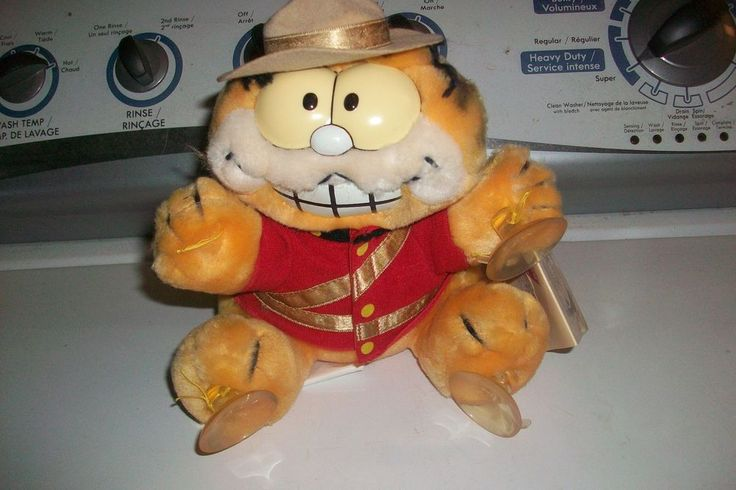 Vintage Garfield RCMP Mountie Plush Window Stuffie with Tags Stuck on You 1988  #Dakin