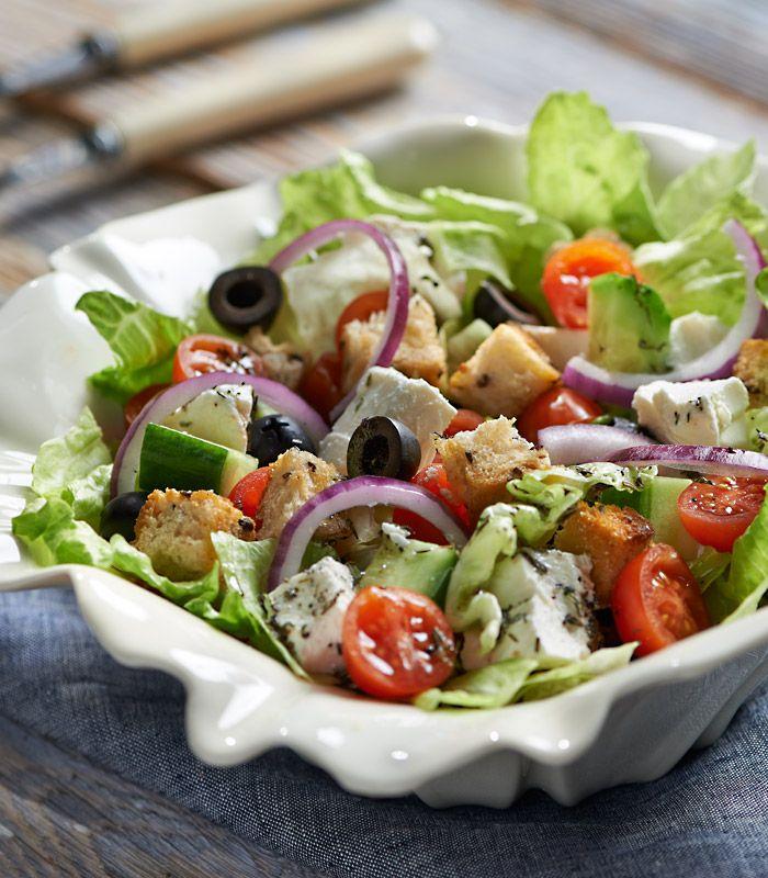 Śródziemnomorska sałatka z serem i oliwkami #lidl #przepis #salatka #ser #oliwki #srodziemnomorska