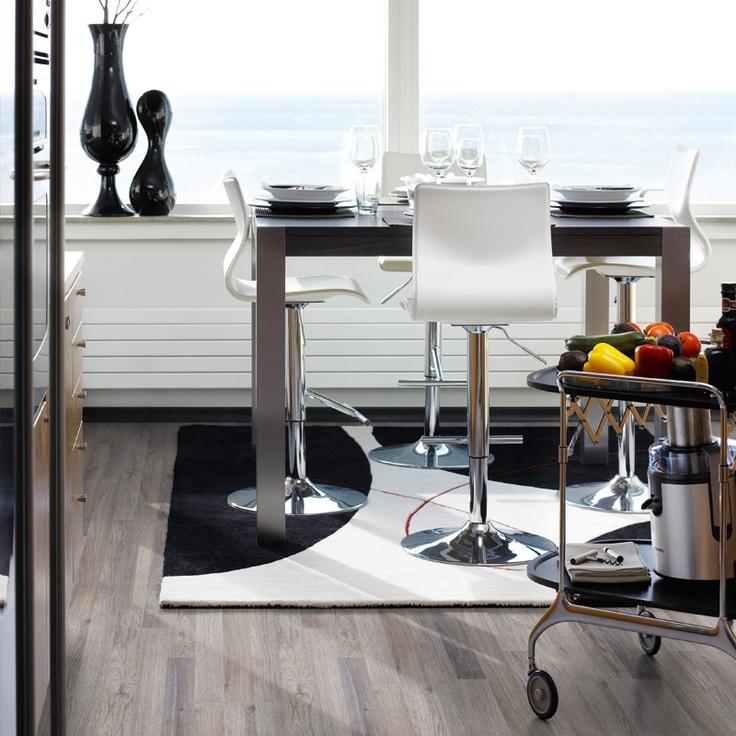 #Laminatgolv Pergo Living Expression Classic Plank Grå Ek, 259 kr/m2