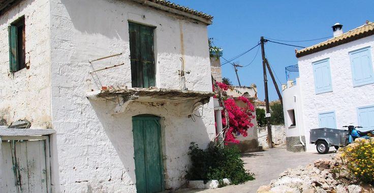 Limenaria village Agistri photo credits ©agistrigreece.com