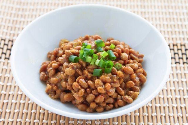 便秘に悩む人必見!「オリーブオイル納豆」でスルっと快腸に - macaroni
