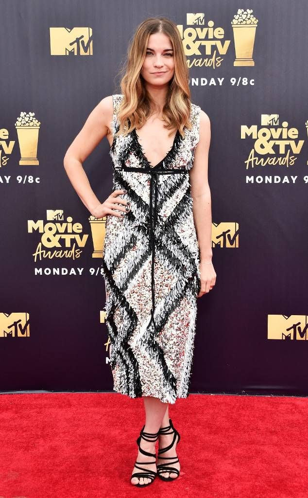 6fc22e1ca8 Annie Murphy from MTV Movie   TV Awards 2018  Red Carpet Fashion The  Schitt s Creek actress goes graphic.