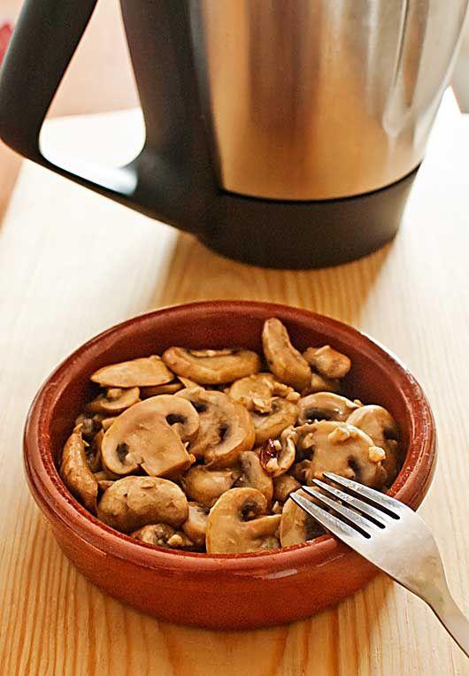"""Comment faire des champignons à l'ail Thermomix """"Tricks Thermomix de cuisine"""