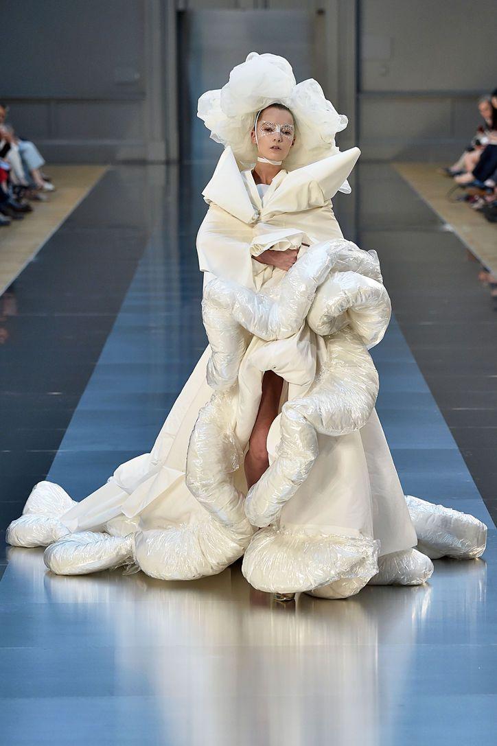 Best 25 wedding dress fails ideas on pinterest for Ivory wedding dress meaning