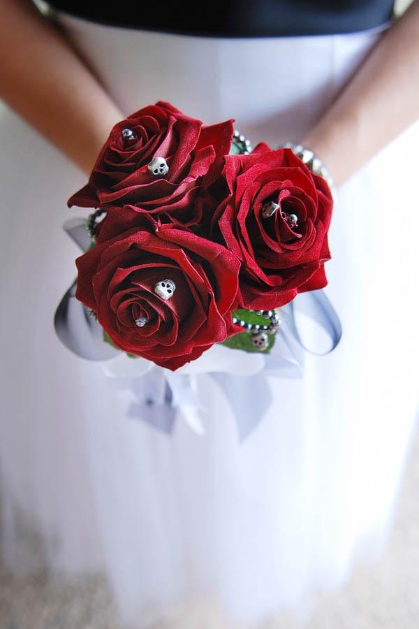 Punk Rock Wedding: Lauren & Con · Wedding · Rock n Roll Bride  love this!