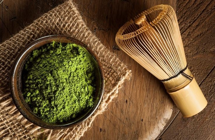 Green #Matcha Tea is an incredible drink that has loads of benefits for your health! #green #tea #greentea #healthy #japanese #organic #raw #powder