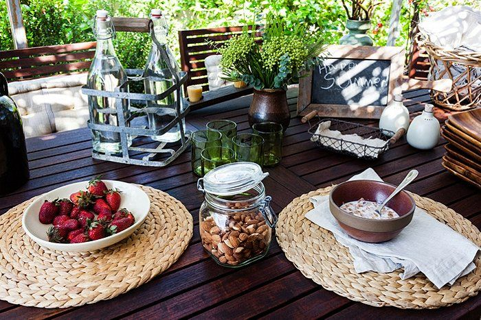 Natural materials and simple shapes feel so right for summer.