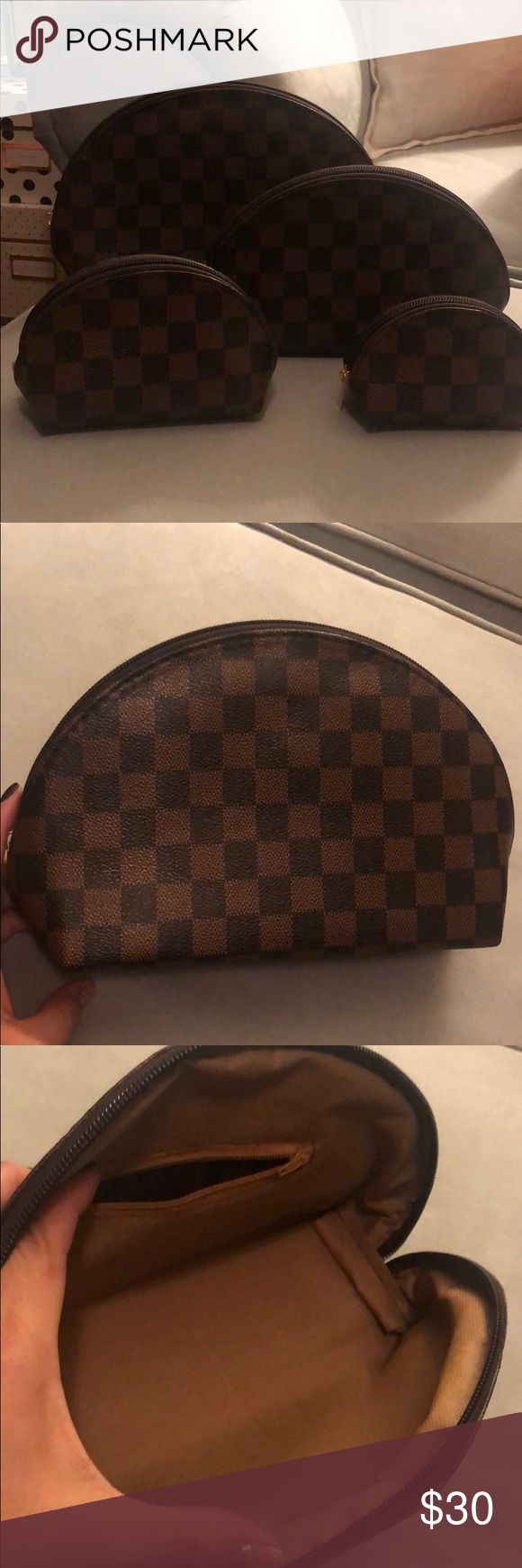 Set of 4 cosmetic bags in brown checkered pattern (With