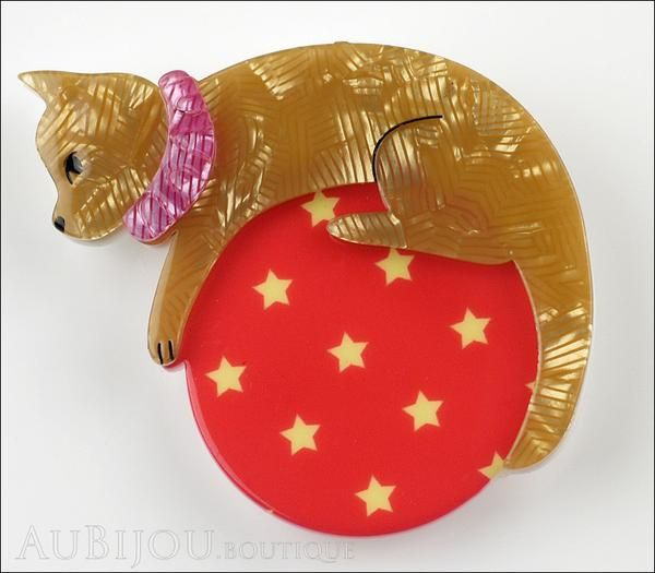 Erstwilder Pet Circus Brooch Pin Cat The Co-Ordinated Beige Red Front