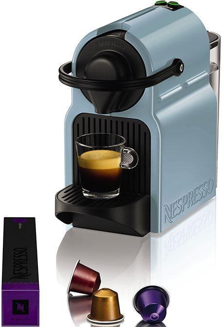 Nespresso Krups Inissia Light Blue  Krups Inissia Light Blue: de kleine kleurrijke espressomachine De Inissia machines zijn intuïtief en makkelijk te bedienen. In 25 seconden heb je een heerlijk kopje espresso of lungo en met het compacte formaat neemt de espressomachine niet veel ruimte in. Aan de hand van de verlichte knoppen kies je eenvoudig het koffievolume en het apparaat schakelt zich na 9 minuten automatisch uit. Hij is voorzien van een afneembare waterreservoir van 07 liter die je…