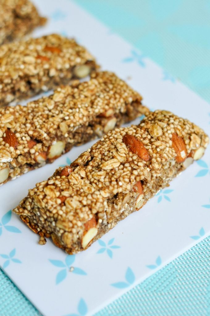 Puffed Quinoa Oat Bar Recipe - Easy & healthy homemade bars that can easily be customized. Sweetened only with Maple syrup and banana. Vegan & Gluten-free!