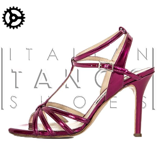"For your summer tango nights........ ""Estrella"" a very elegant sandal in fuchsia leather, mirror effect! woooowww http://www.italiantangoshoes.com/shop/en/women/311-alagalomi.html"