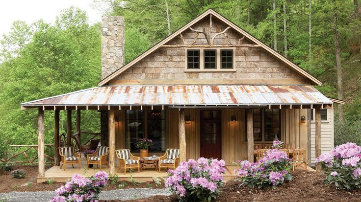Rustic, yet comfortable, porches provide the perfect perch to relax and enjoy the views of this mountainside retreat.     1,555 square feet  2 bedrooms and 2 ½ ba